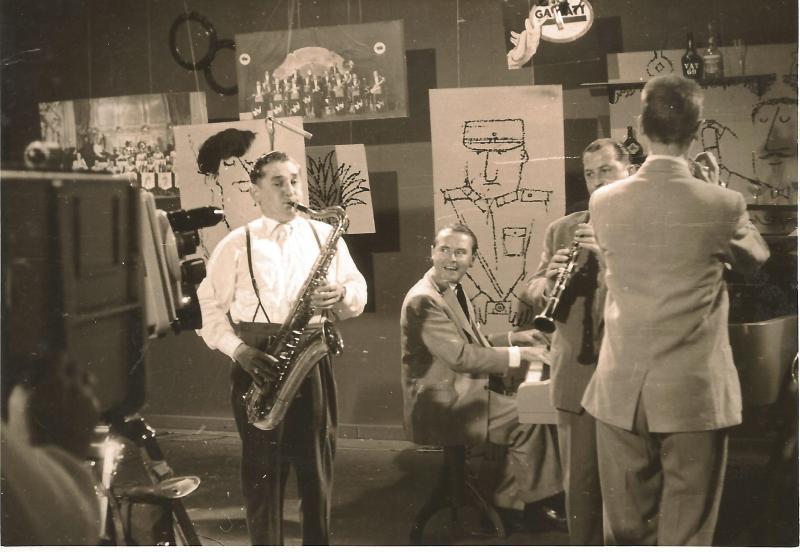 AugAug.54WR-Band im Tonstudio Hamburg - Willi Schulz Reichel, Hintergrundbild Kapelle K. Walter