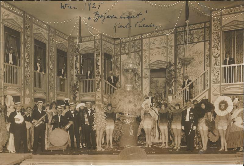 1925Die Bojarenbraut - Schlusszene 2. Akt, mit WR am Banjo