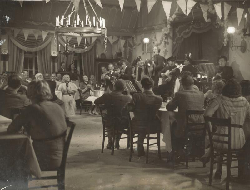 1935Eine Seefahrt die ist lustig - Rhythm Boys mit Wenzel an der Gitarre