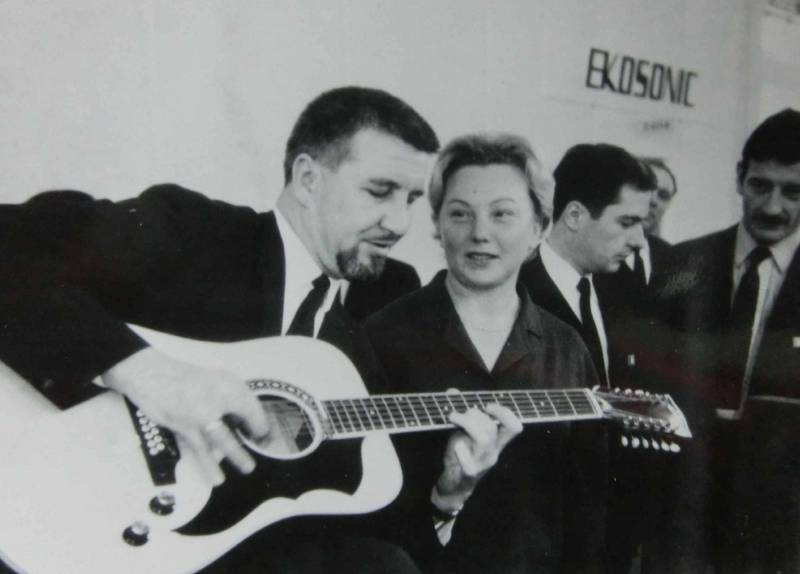 Apr.65	Billy Lorento (Willi Stich) - ROGER-Messestand in Frankfurter, mit Marianne