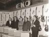 Bild 188 / Apr.63 / Messestand EKO - Wenzel und Marianne mit Repräsentanten der Fa. EKO