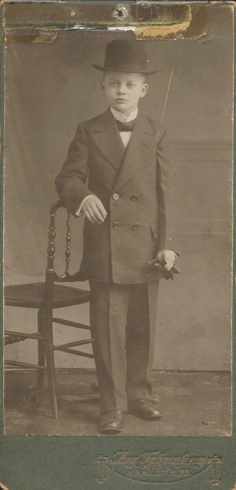 1915Foto von Wenzel im Alter von 13 Jahren in Kiel