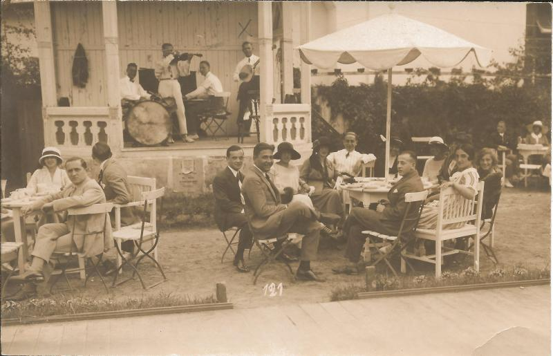 ca1923Kapelle Kamsirossoff mit WR am Banjo