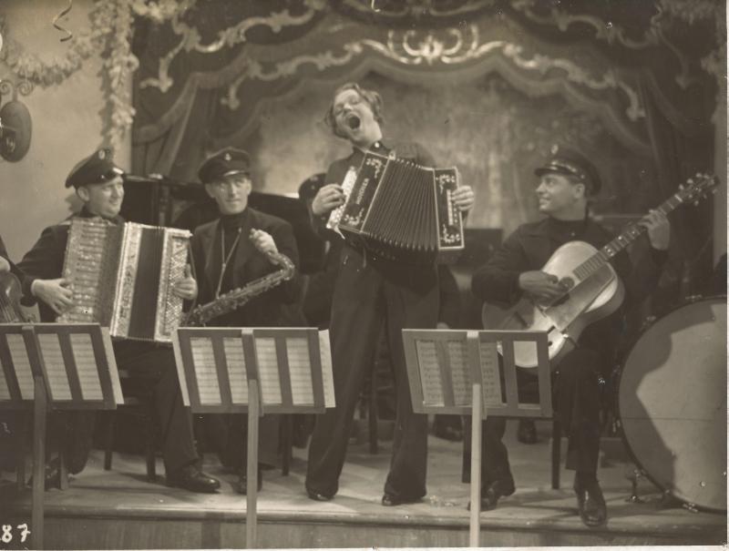"""1935Rhythm Boys in einer Filmszene """"Eine Seefahrt die ist lustig"""""""