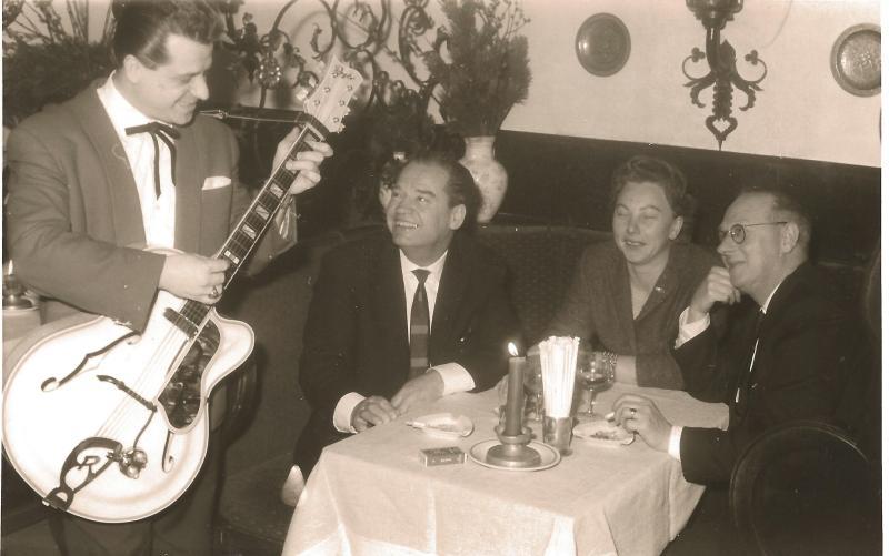 1956Ständchen für Wenzel und Marianne mit ROGER LUXUS CA