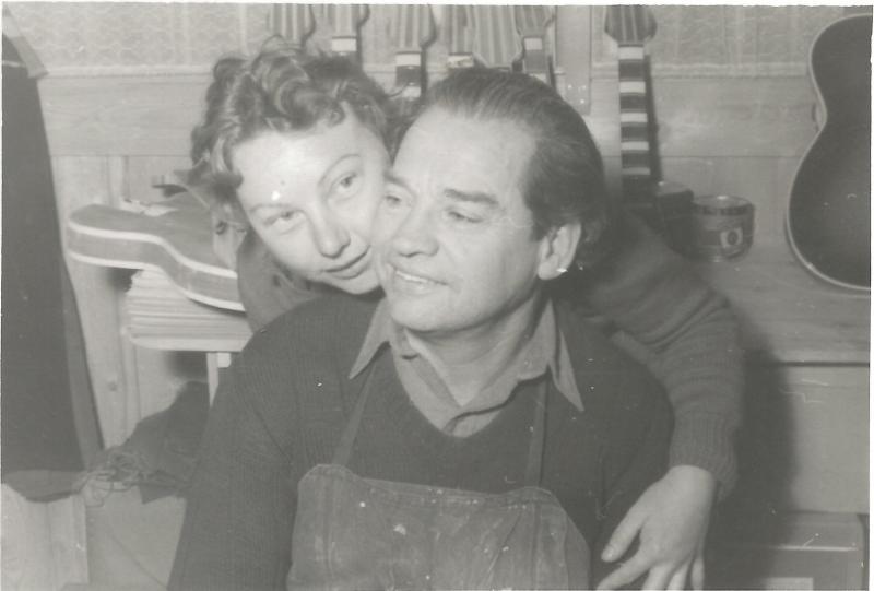 1956Wenzel und Marianne in der Werkstatt in Mittenwald