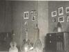 Bild 105 / 01.08.45 / Wohnzimmer von Wenzel und Marianne in Markneukirchen, Breitenfelderstr. 16