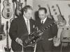 Bild 233 / Mai.66 / Wenzel mit EKO-Boss Oliviero Pigini im Ladengeschäft in München