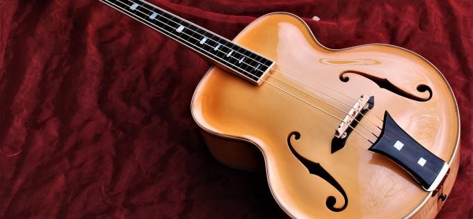 Bau einer vollmassiven Archtop Cello Bassgitarre mit Longscale Mensur von Martin Kemmler