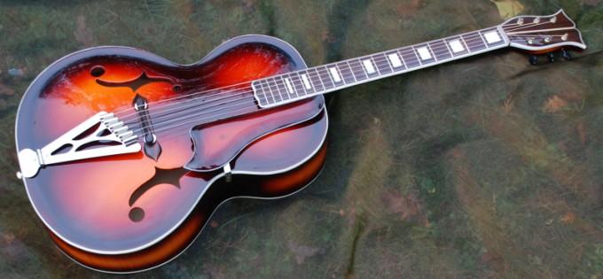 Vollmassive Archtop Jazzgitarre im Calace-Stil