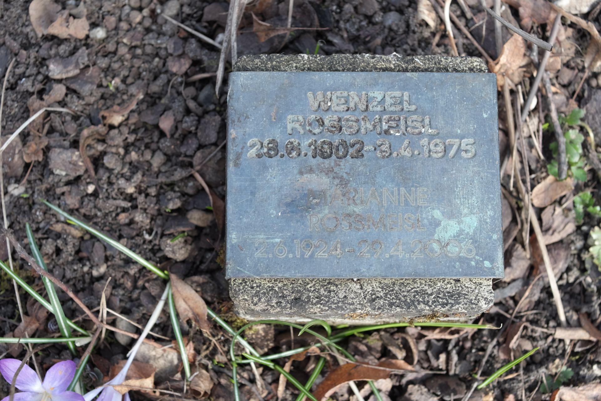 Mrz.15Grab von Wenzel und Marianne