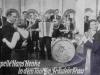 1934Kapelle Hans Henke im Tonfilm Fräulein Frau - Wenzel an der Gitarre