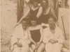 ca1924Wenzel -unten rechts- mit Bandkollegen und Gefährtinnen am Timmendorfer Strand