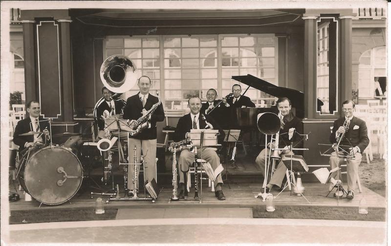 Bild 026 / ca. 1930 / Musikerkollegen im Madame Bonnet, Paris