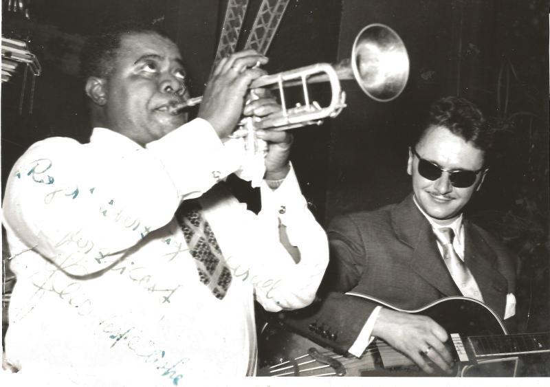 Bild 049 / 1952 / Luis Armstrong mit Johann Rediske und seiner SUPER CA