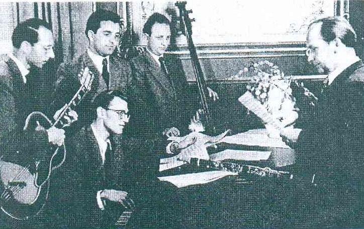 Bild 051 / 1953 / Werner Pöhlandt mit Thomas Buhe und seiner ROGER SUPER von 1951