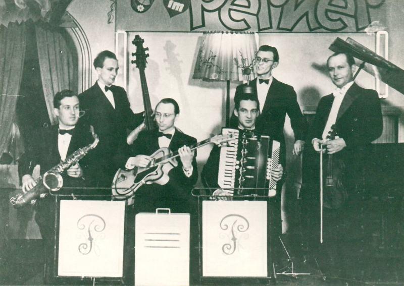 Bild 052 / Apr. 1953 / Werner Pöhlandt Quint. im Perner Cabarett - Thomas Buhe m. ROGER SUPER ULTRA CA
